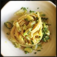 Linguine con avocado