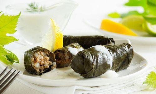 Ricetta Involtini di foglie di vite (Dolmades, ricetta greca)