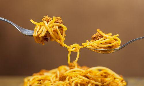 Ricetta Spaghetti alla frutta secca