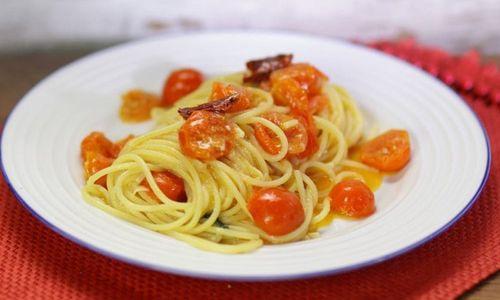 Ricetta Spaghetti con pomodorini al forno