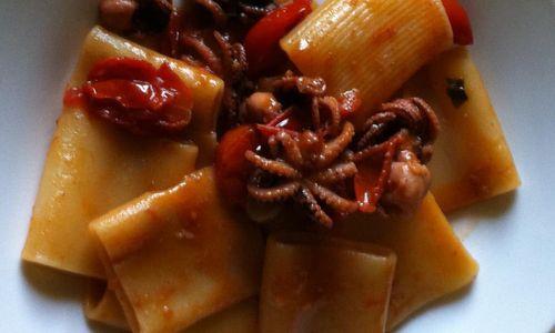Ricetta Paccheri con moscardini e peperoncino