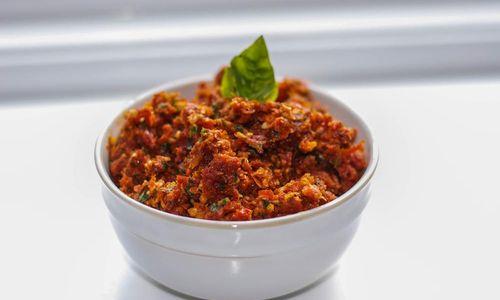 Ricetta Pasta con pesto ai pomodorini secchi