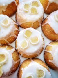 Quadrotti al limone e mandorle