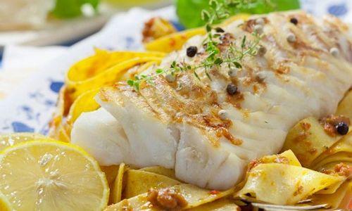 Ricetta Filetti di merluzzo e acciughe