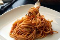 Spaghettini con acciughe e mandorle