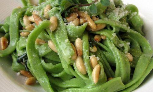 Ricetta Tagliatelle verdi con piselli