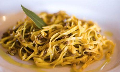 Ricetta Linguine con radicchio e melagrana