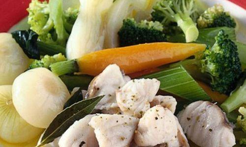 Ricetta Pescatrice al vapore con verdure