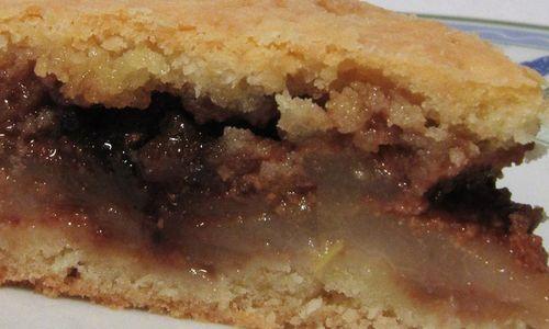 Ricetta Torta ripiena di pere e amaretti