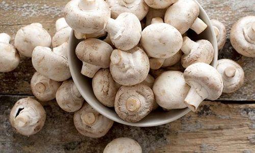 Ricetta Linguine con catalogna e funghi
