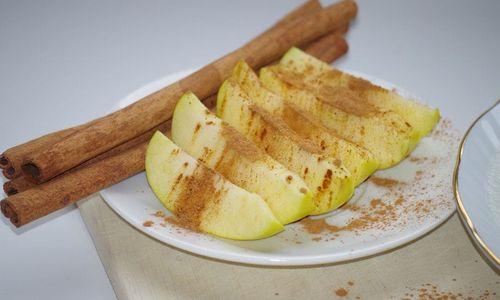 Ricetta Cartocci di mele alla cannella